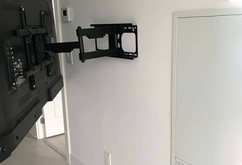 full-motion-wall-mount-in-action